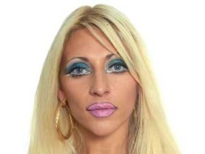 rubias con errores de maquillaje