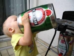 bebe tomando cervesa soylinda.net